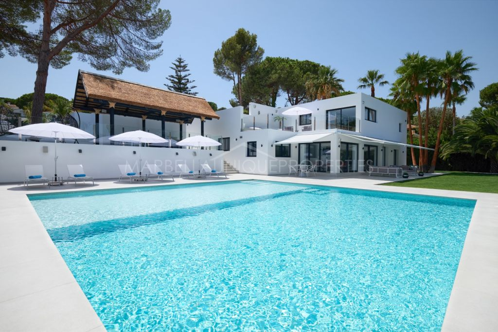 Immaculate 5 bedroom villa in Las Brisas, Nueva Andalucia golf valley