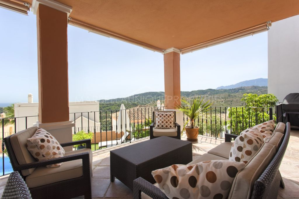 Modern Andalusian style 4 bedroom townhouse in Monte Mayor