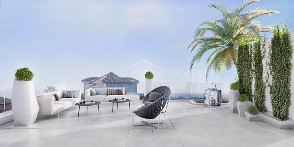 Brand new 5 bedroom family villa in Los Flamingos