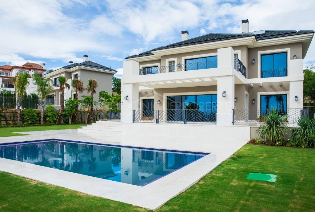 A luxurious 6 bedroom villa in Los Flamingos