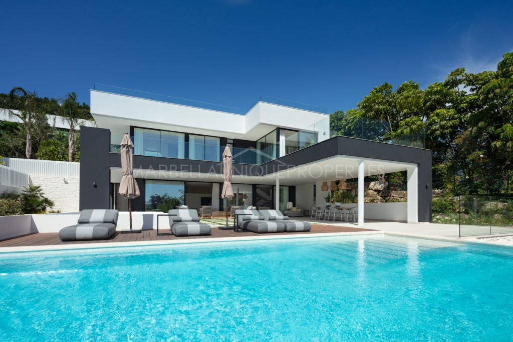 Luxurious home located in the heart of Nueva Andalucia