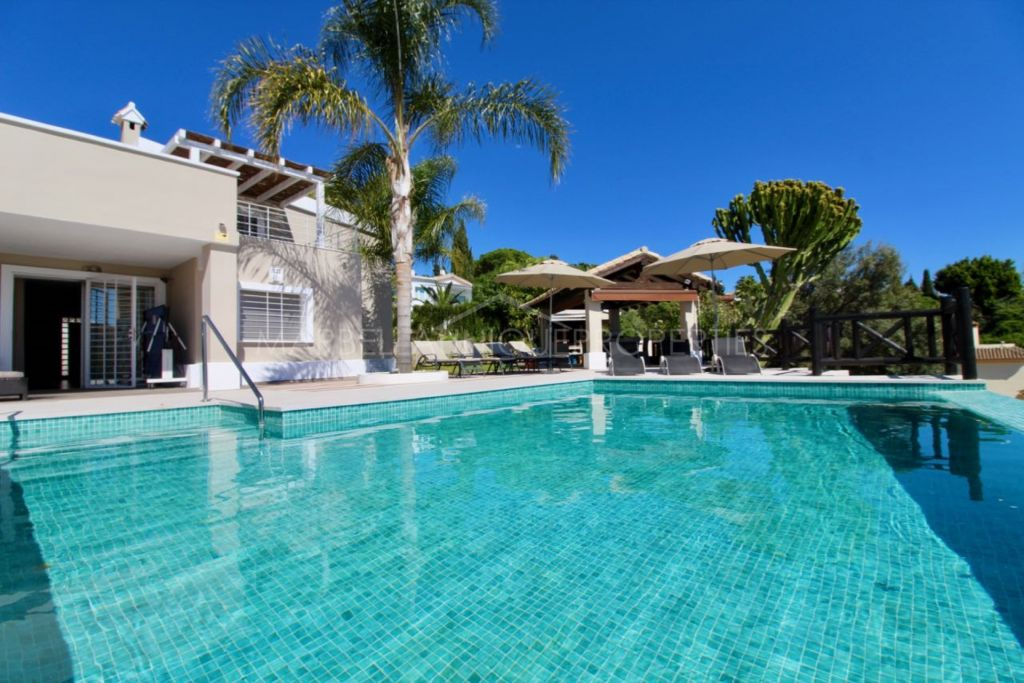 Villa en location à El Rosario, Marbella