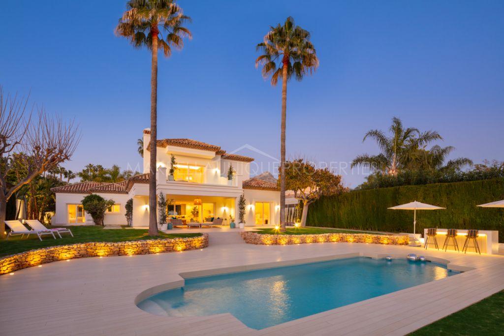Exclusive  frontline golf villa for sale in the best area of Nueva Andalucia, Marbella