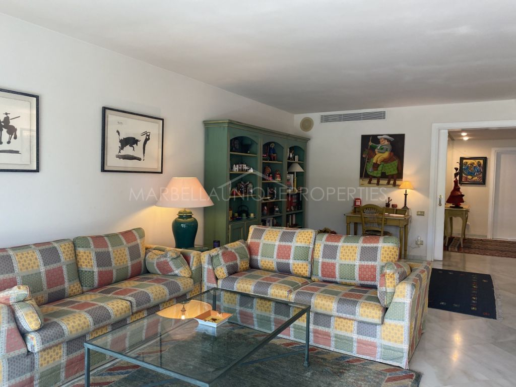 Cozy apartment for short term rent in one of the most prestigious urbanizations Don Gonzalo, Marbella