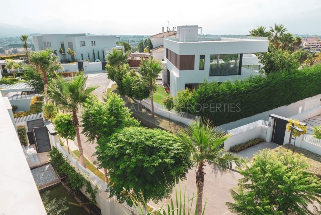 Impressionnant villas avec moderne design à Benahavis