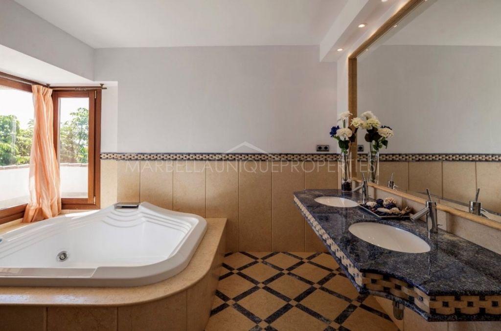 Villa for rent in Altos de Puente Romano, Marbella Golden Mile