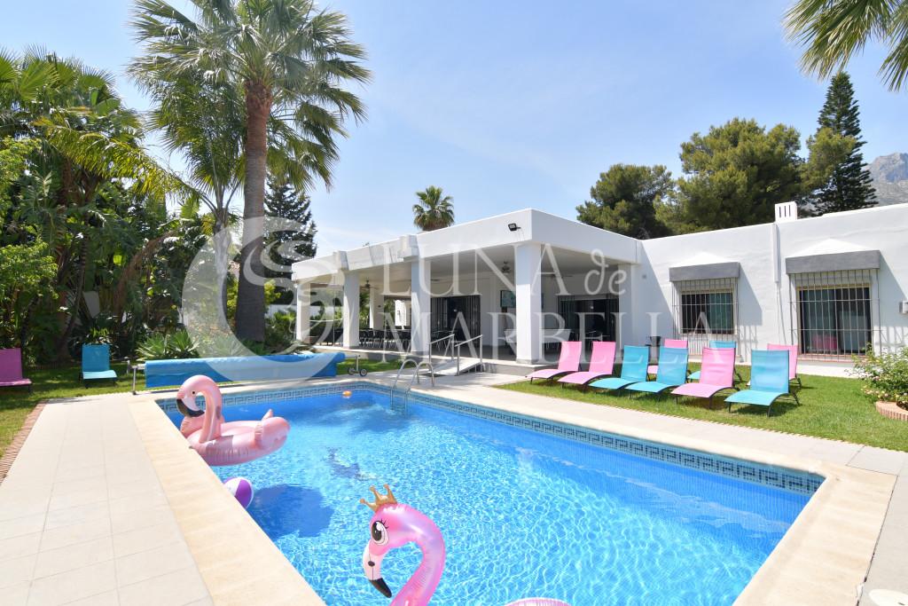 Villa en alquiler en Nagüeles, Marbella Golden Mile