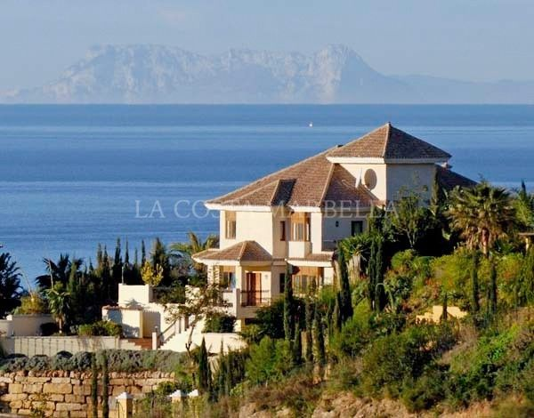 Marbella East, Impressive 6 bedroom Villa in El Rosario