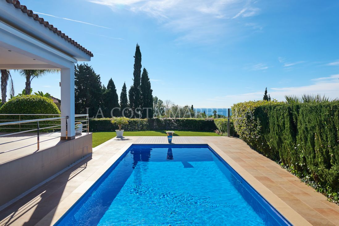 Marbella East, Beautiful villa with panoramic views a 10 min de Marbella