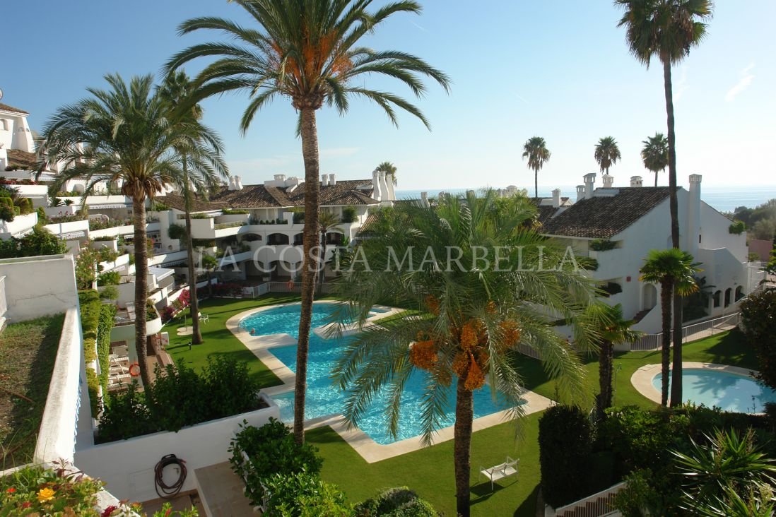 Marbella East, Beautiful apartment for sale in Rio Real in Marbella with sea views Rio Real, Marbella East