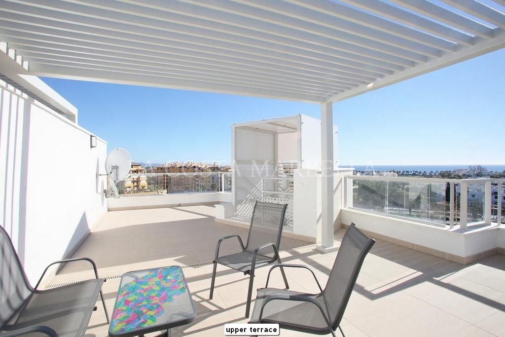 Marbella, EXCELLENT 3 BED PENTHOUSE BEACHSIDE OPPORTUNITY WITH AMAZING VIEWS