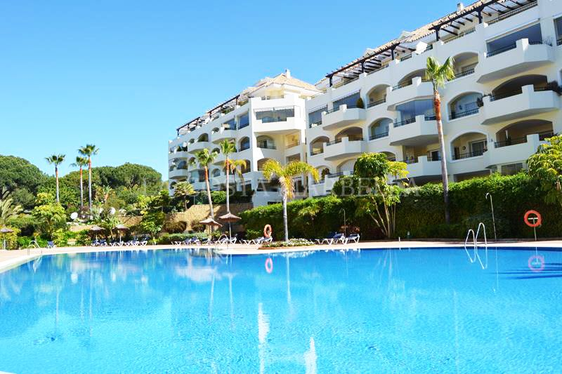 Marbella East, Beautiful Two bedroom apartment in Hacienda Playa, Elviria.