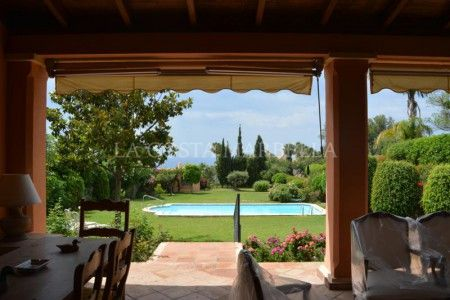 Marbella Golden Mile, Large villa with sea views in Cascada de Camojan, Golden Mile, Marbella