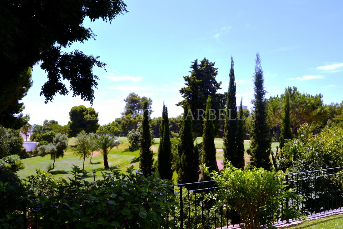 Marbella East, Fantastic Villa in Golf Rio Real frontline to the golf course.