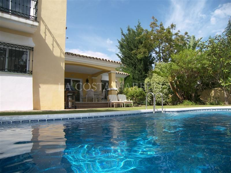 Marbella East, Villa with 3 Bedrooms for rent at Bahia Marbella