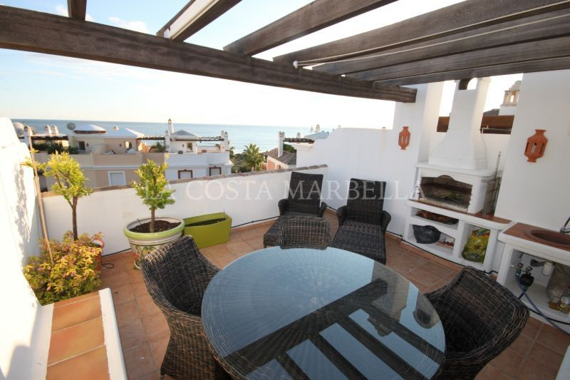 Marbella East, Superb 3 bedroom Townhouse in Bahía de Marbella