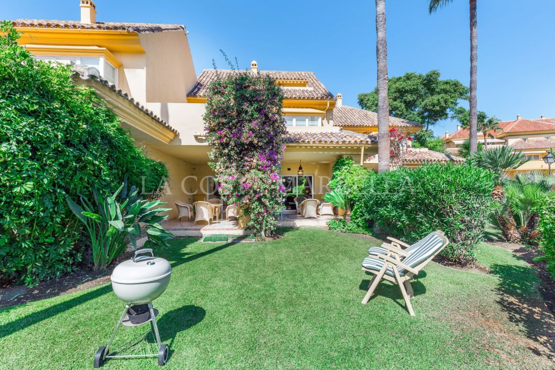 Marbella East, Beautiful 4 bedroom Townhouse in Rio Real Golf Marbella