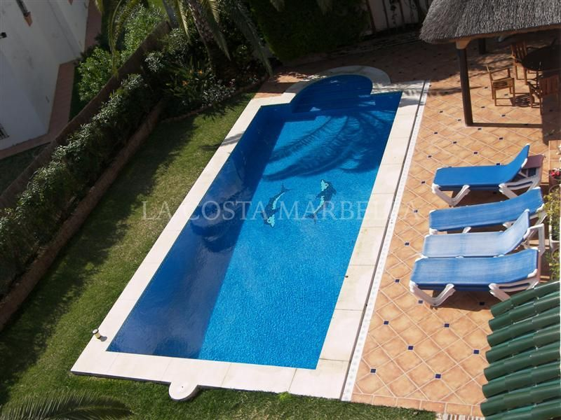 Marbella East, 6 Bedroom villa for holiday rent in El Rosario