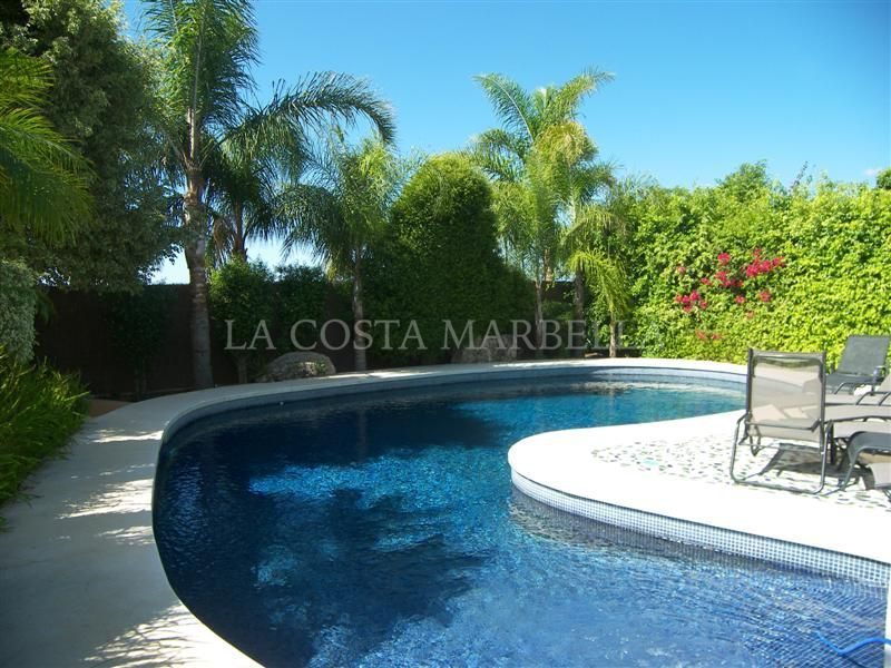 Marbella East, Luxury Villa for Holiday Rentals in El Rosario, Marbella