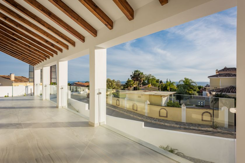 Marbella East, Modern villa for sale in El Rosario in Marbella