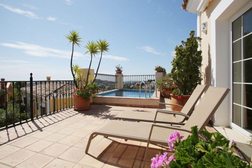 fantastische villa zum verkauf in aldea dorada in nueva andalucia - Fantastisch Luxus Landhuser