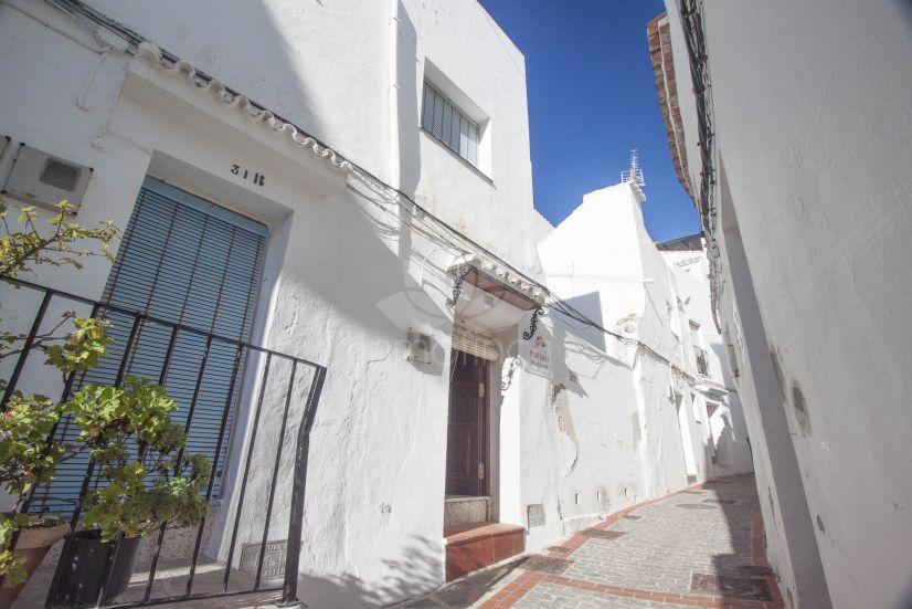 House in Pueblo, Casares