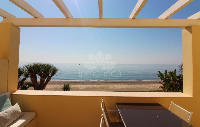 Apartment in Playa del Moral, Estepona