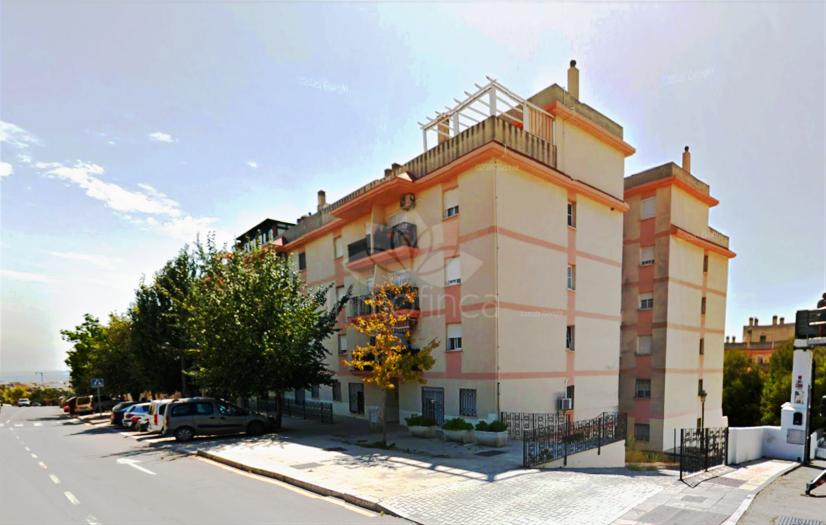 Apartamento Planta Baja en Avda de Andalucia - Sierra de Estepona, Estepona