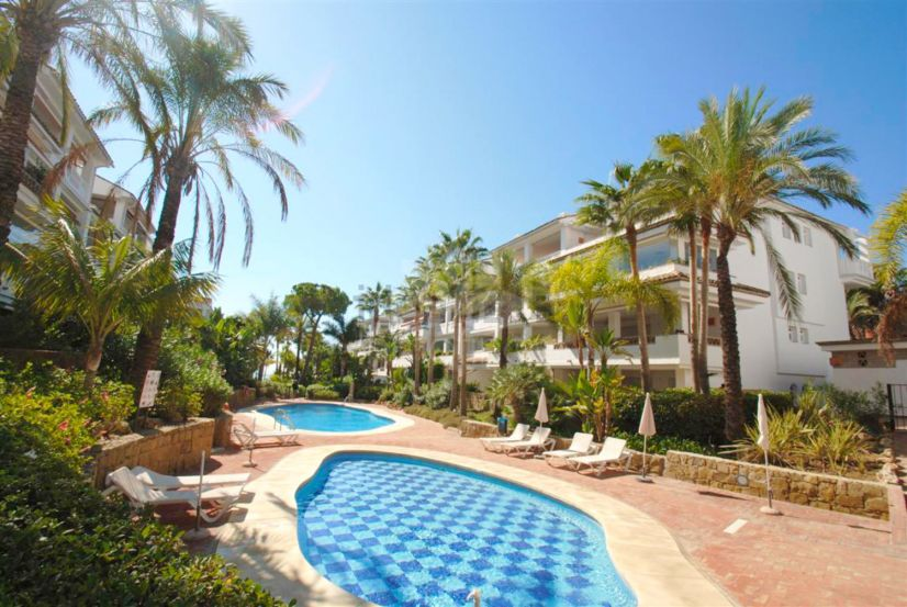 Apartment in Beach Side Golden Mile, Marbella