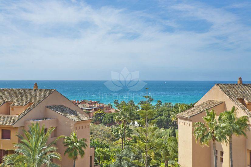 Duplex Penthouse in Bahia de Marbella, Marbella
