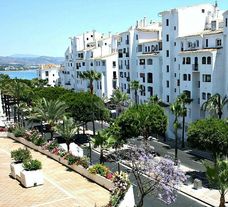 Apartment in Marina Banus, Marbella