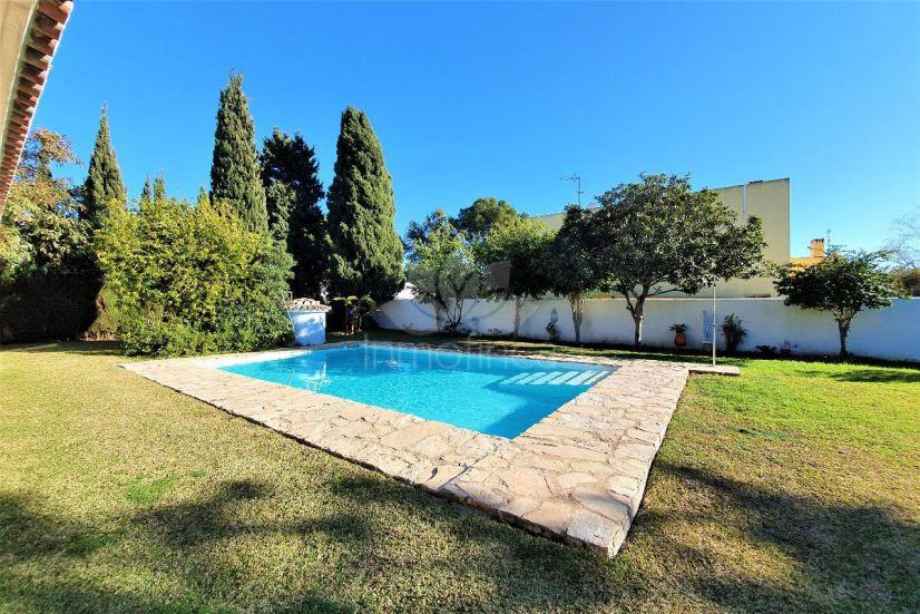 Villa in Atalaya, Estepona