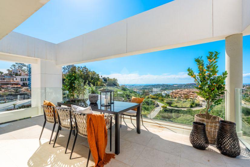 Penthouse in La Morelia de Marbella, Marbella