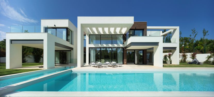 A contemporary villa for sale in Marbella, in Nueva Andalucia Golf Valley