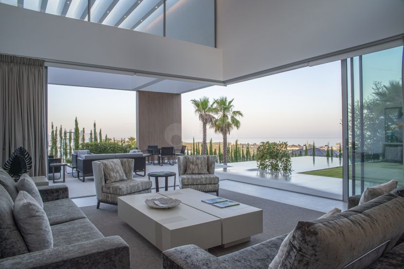 Brand new contemporary villa for sale in Benahavis, Los Flamingos Golf