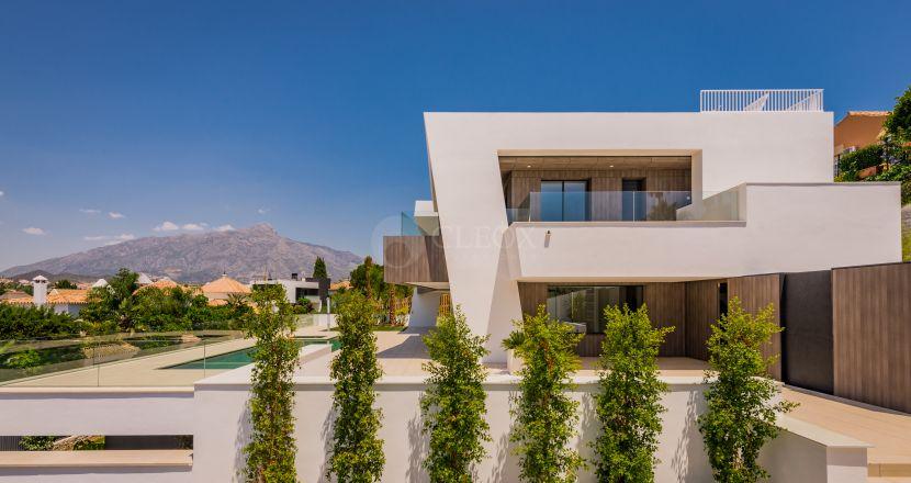 A contemporary luxury villa for sale in Nueva Andalucia, next to Los Naranjos golf