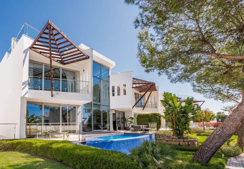 Semi Detached House for sale in Sierra Blanca, Marbella Golden Mile, Marbella