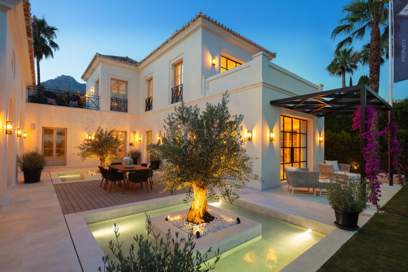 Villa for sale in Nagüeles, Marbella Golden Mile, Marbella