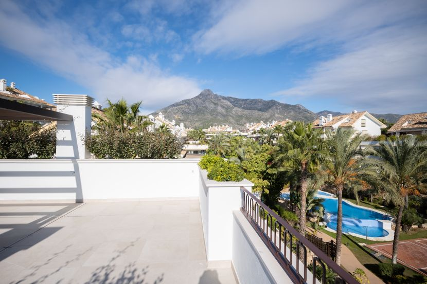 Duplex Penthouse for sale in Lomas del Rey, Marbella Golden Mile, Marbella