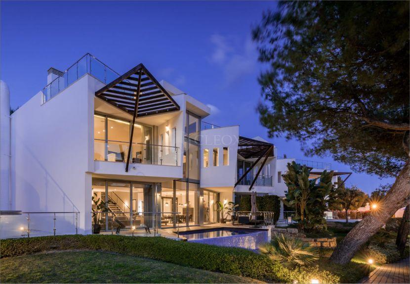 Luxurious semi detached villas in the exclusive area of Sierra Blanca, Marbella