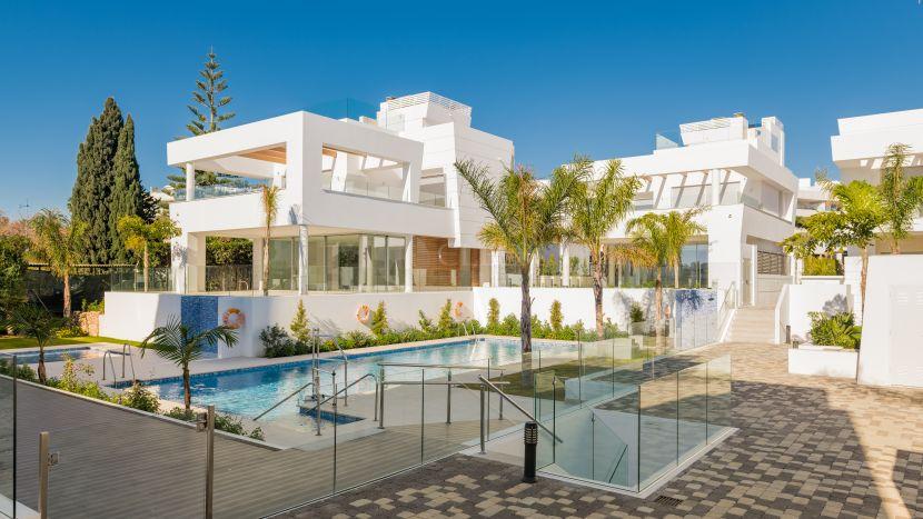 10 contemporary beachside villas in San Pedro de Alcantara