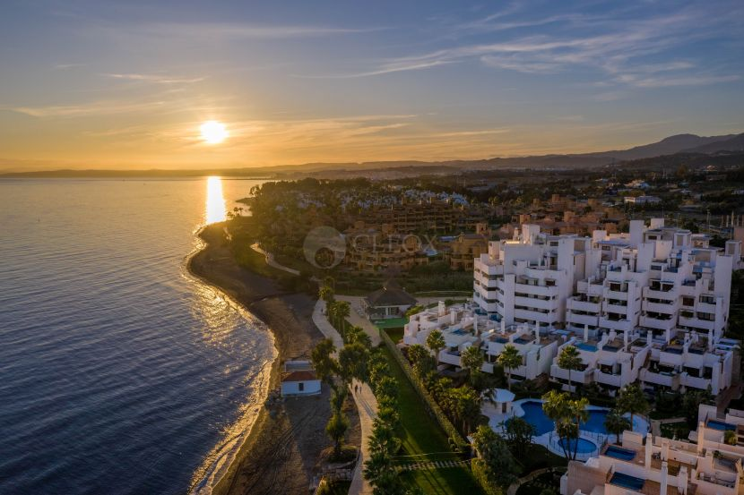Apartment for sale in Bahia de la Plata, Estepona