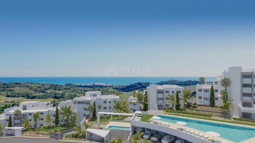 Apartamentos y áticos modernos con vistas al mar y al golf en Estepona Golf
