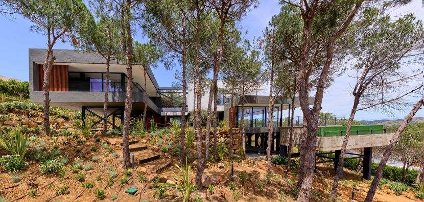 Stunning modern villa with panoramic views to the sea and golf in Sotogrande