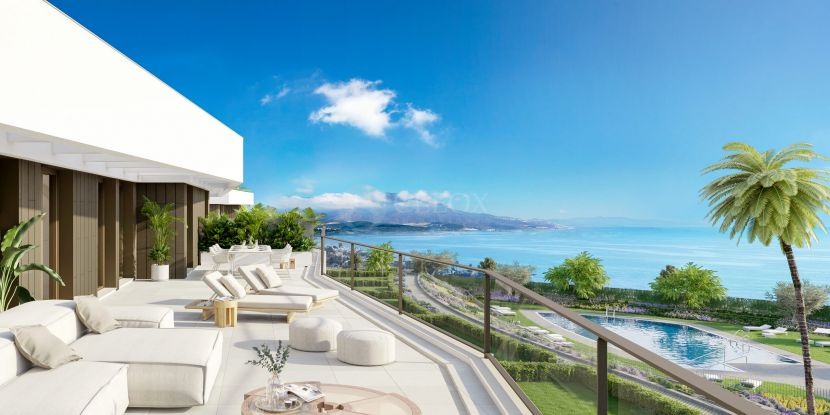 New development of modern apartments in front of the sea in Casares beach