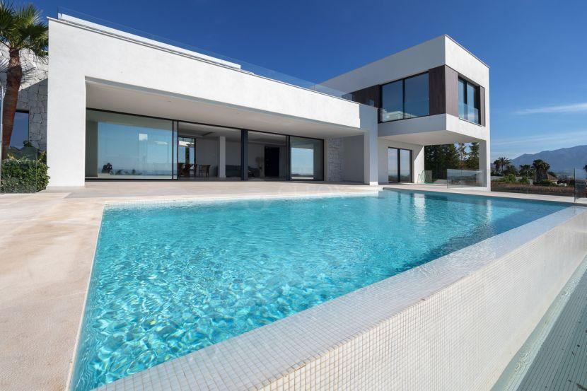 Villa for sale in Mirabella Hills, Benahavis