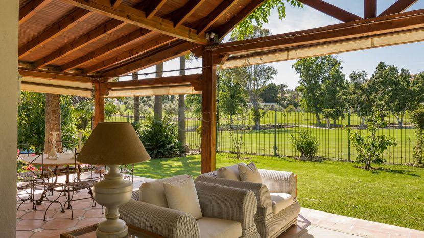 Villa en venta en Country Club Las Brisas, Nueva Andalucia, Marbella