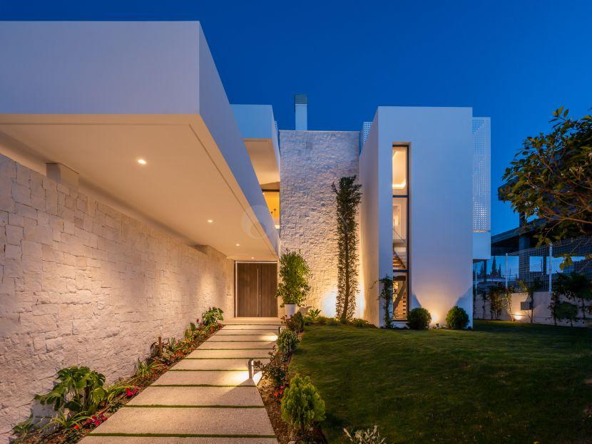 Новый комплекс из 7 вилл современной архитектуры между Марбелей и Эстепоной
