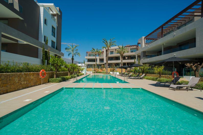 Contemporary apartments for sale between Marbella and Estepona