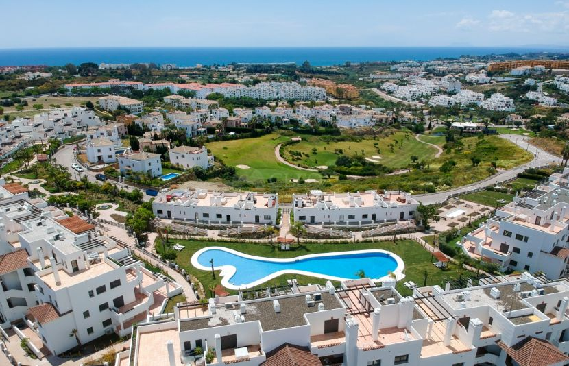 Sunset Golf Apartments & Townhouses in Estepona